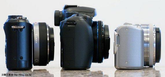 側身厚度比較,由左至右: GF1, NX10, NEX-5